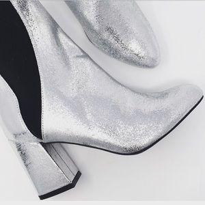 Shoes - NWT new metallic silver sequin bootie elastic Sz 7